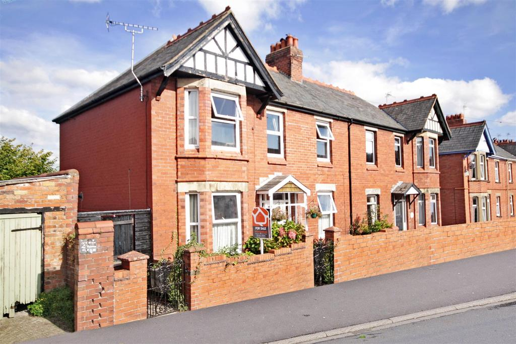 3 Bedrooms Semi Detached House for sale in Edward Street, Oswestry SY11
