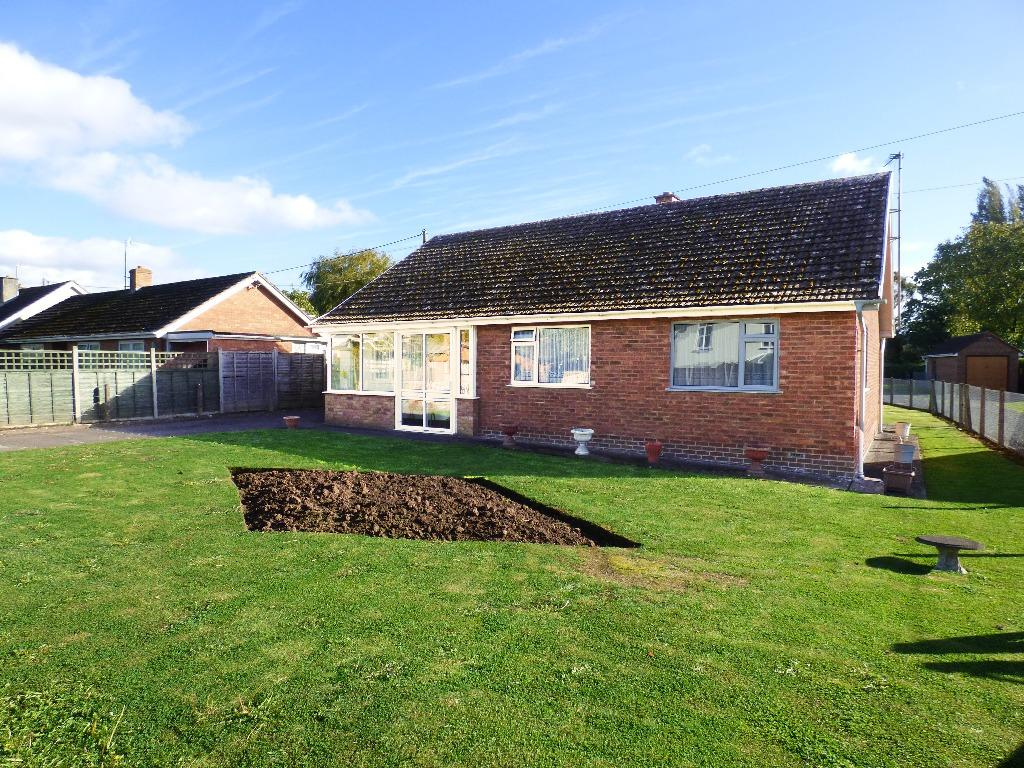 3 Bedrooms Detached Bungalow for sale in Paradise Green, Marden, Hereford