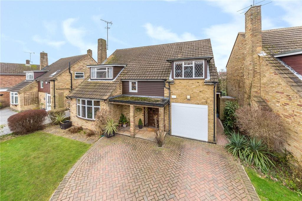 5 Bedrooms Detached House for sale in Farringford Close, St Albans, Hertfordshire