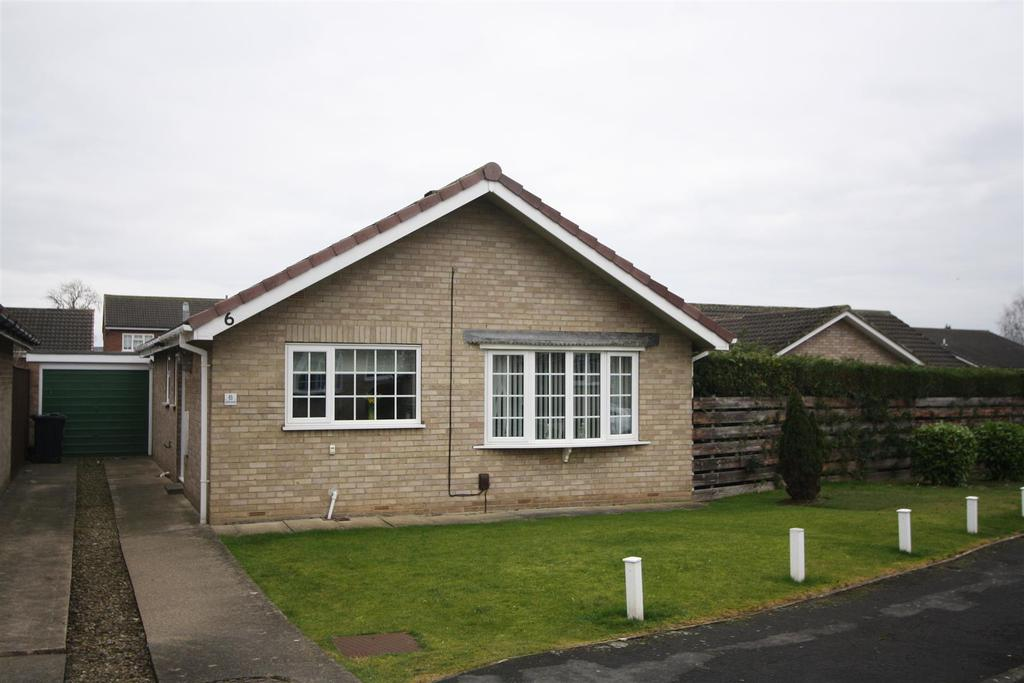 2 Bedrooms Detached Bungalow for sale in Galloway, Darlington