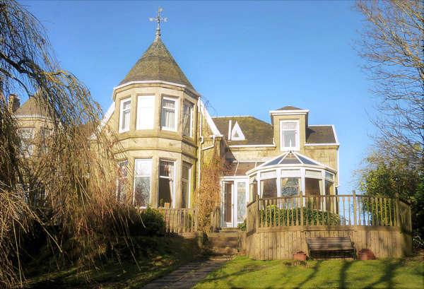 4 Bedrooms Semi-detached Villa House for sale in Wellbrae Park, 27, Overton Road, Strathaven, ML10 6JW