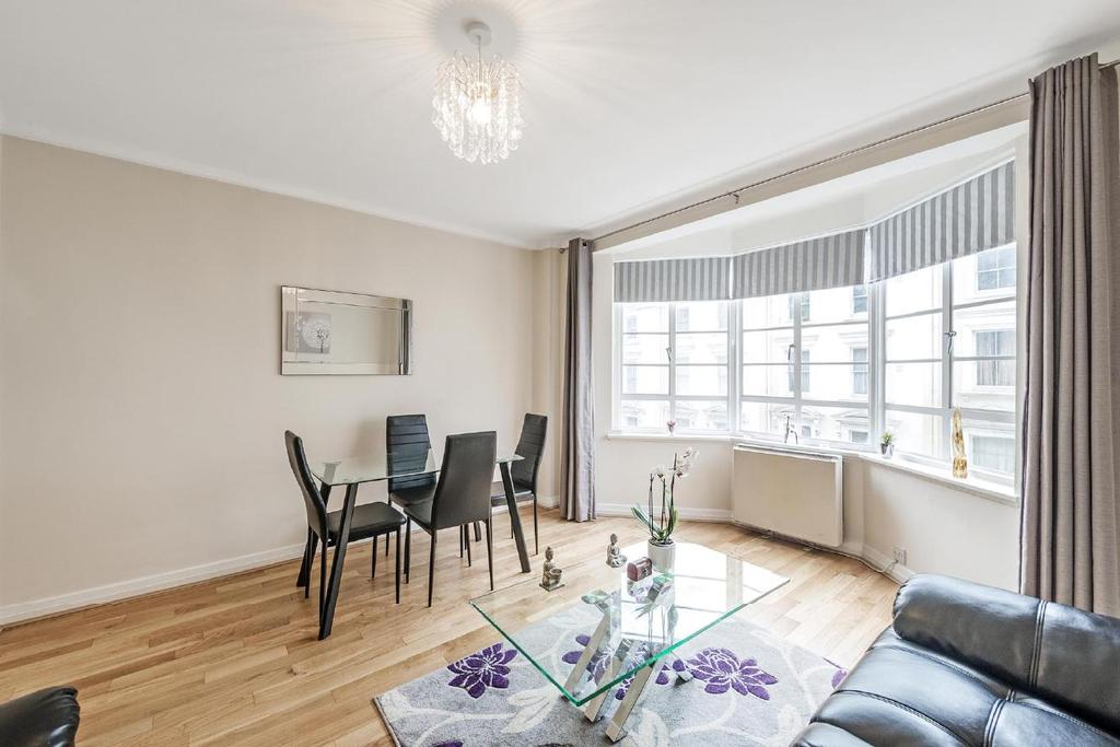 1 Bedroom Flat for sale in Hatherley Grove, Bayswater, W2