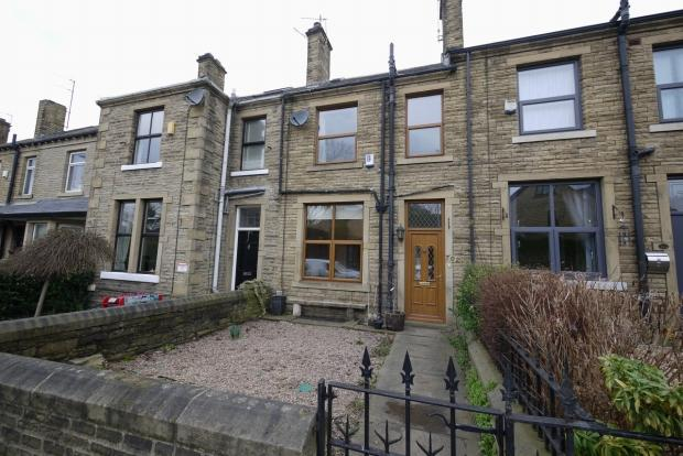 3 Bedrooms Terraced House for sale in Huddersfield Road Wyke Bradford