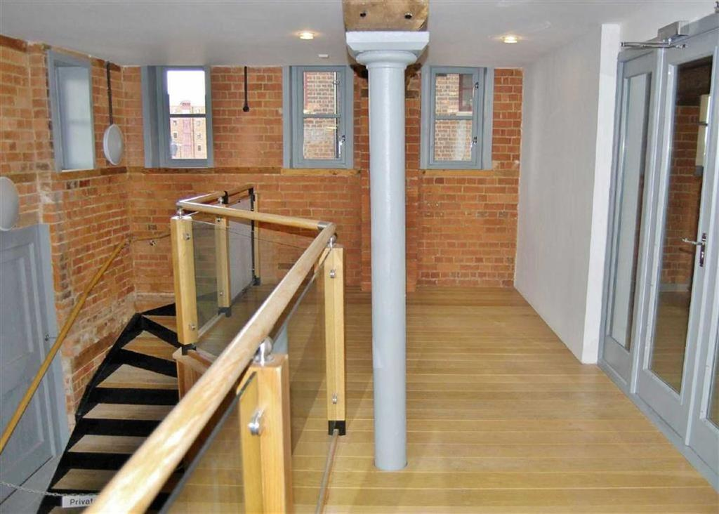 1 Bedroom Apartment Flat for sale in Double Reynolds, The Docks, Gloucester