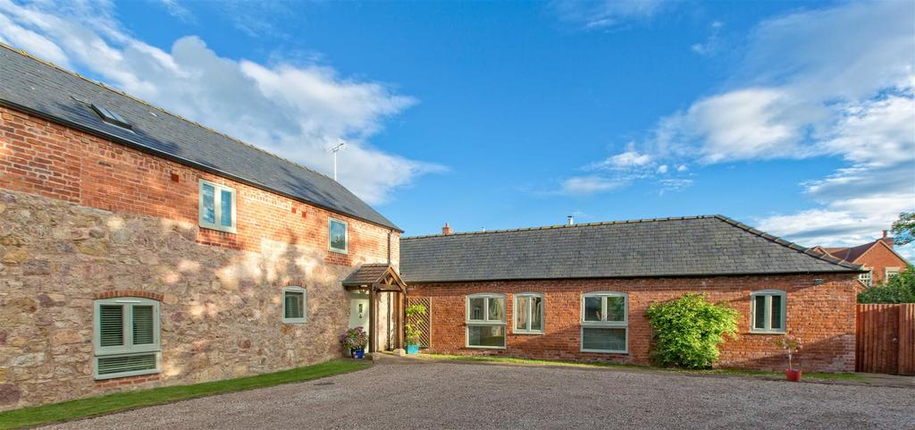 4 Bedrooms Semi Detached House for sale in Maesbrook, Oswestry