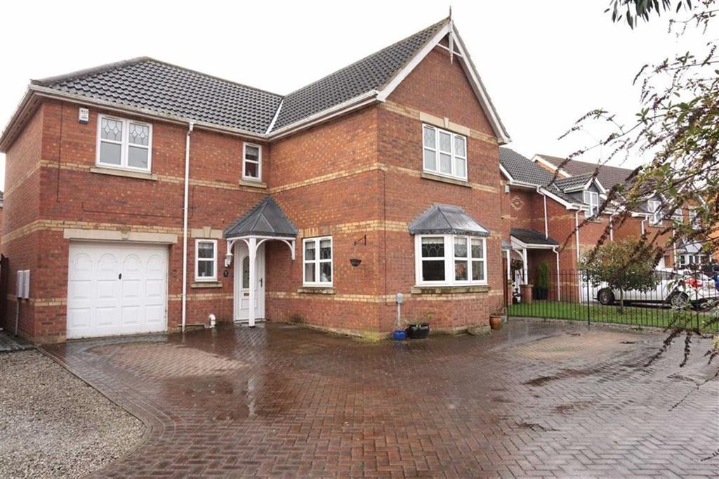 4 Bedrooms Detached House for sale in Aldenham Park, Kingswood, Hull, HU7