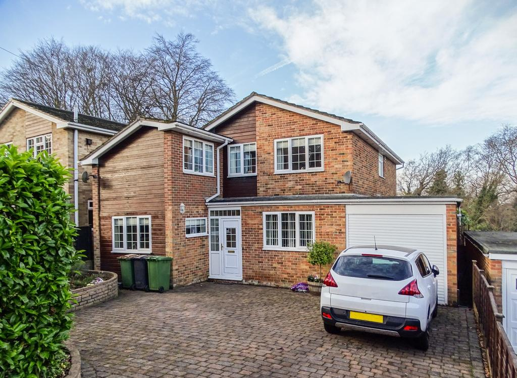5 Bedrooms Detached House for sale in West End