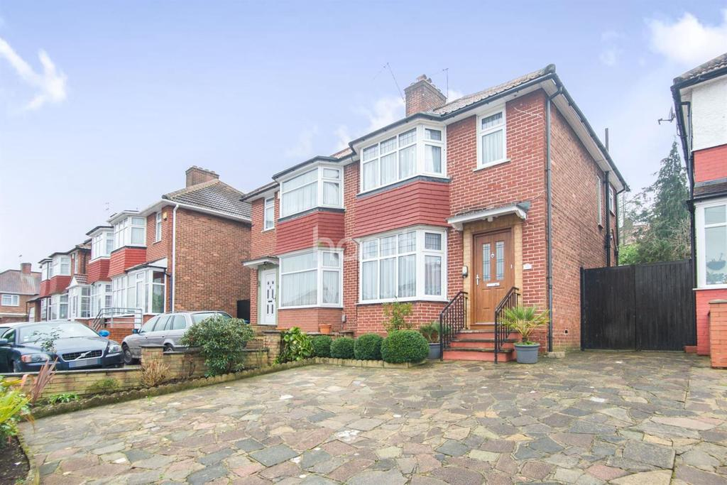 3 Bedrooms Semi Detached House for sale in Forest Gate, London NW9