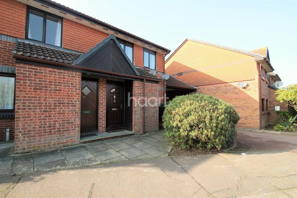 1 Bedroom Flat for sale in Maltings Court, Witham