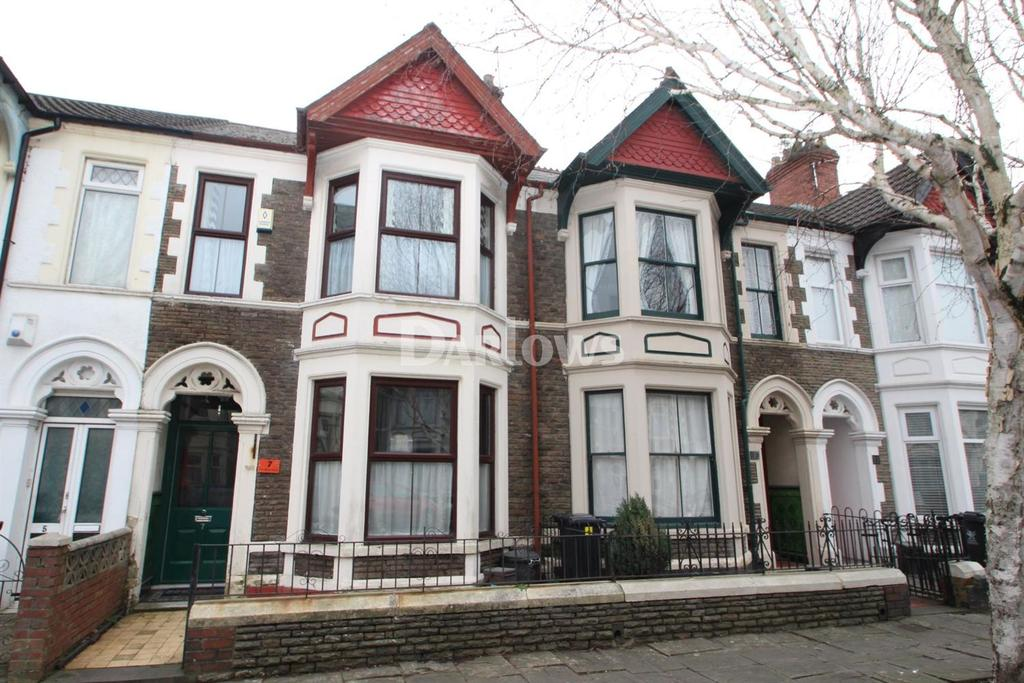 3 Bedrooms Terraced House for sale in University Place, Splott, Cardiff