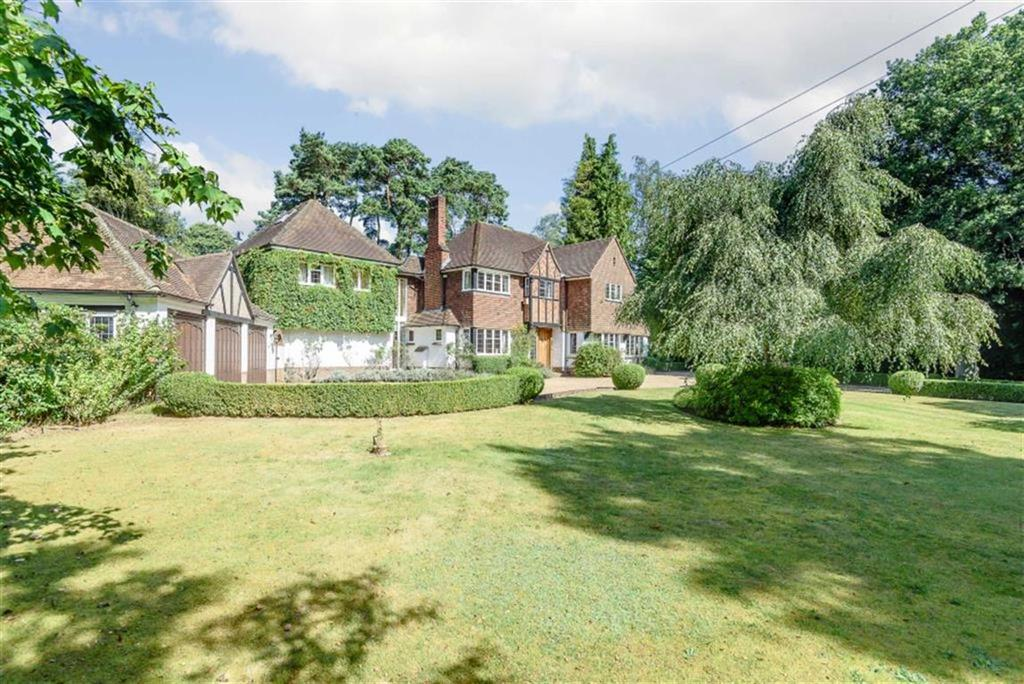 5 Bedrooms Detached House for sale in Compton Way, Farnham