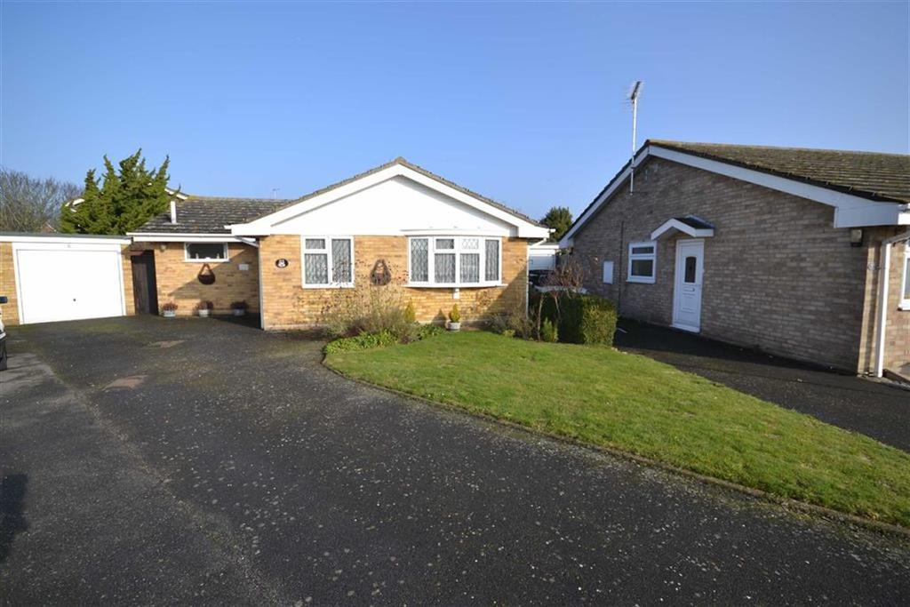 3 Bedrooms Bungalow for sale in Lime Way, Burnham-on-Crouch, Essex