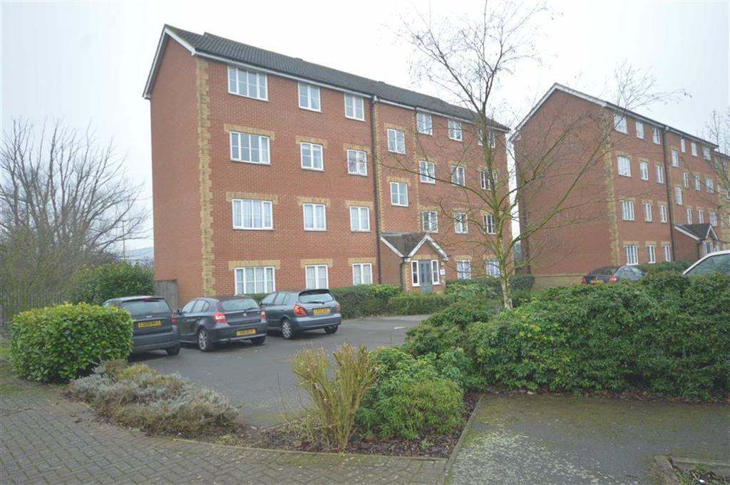 2 Bedrooms Flat for sale in Maltsters Lodge, Hoddesdon, Hertfordshire, EN11