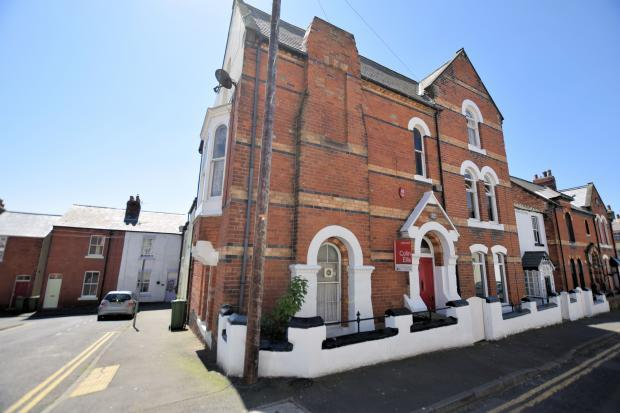 2 Bedrooms End Of Terrace House for sale in St Mary's Walk, Scarborough, North Yorkshrie YO11 1RN