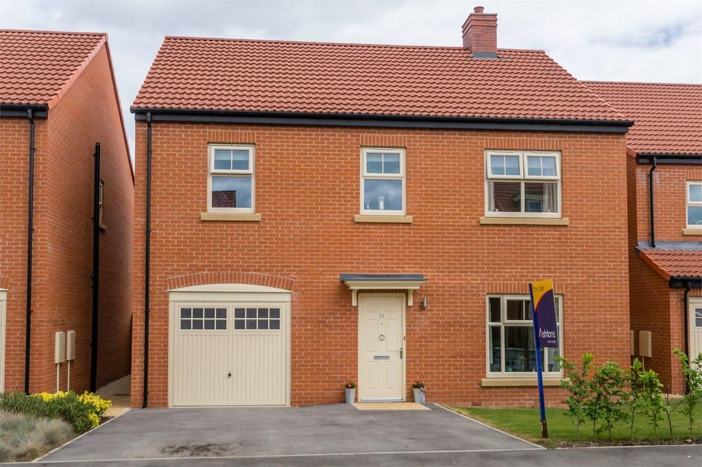 4 Bedrooms Detached House for sale in Fairfield Link, Sherburn in Elmet, LEEDS, North Yorkshire