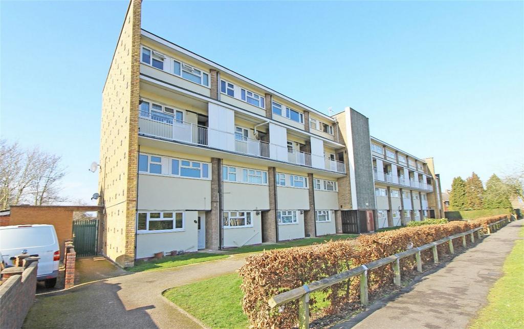2 Bedrooms Maisonette Flat for sale in Western Way, Letchworth Garden City, Hertfordshire