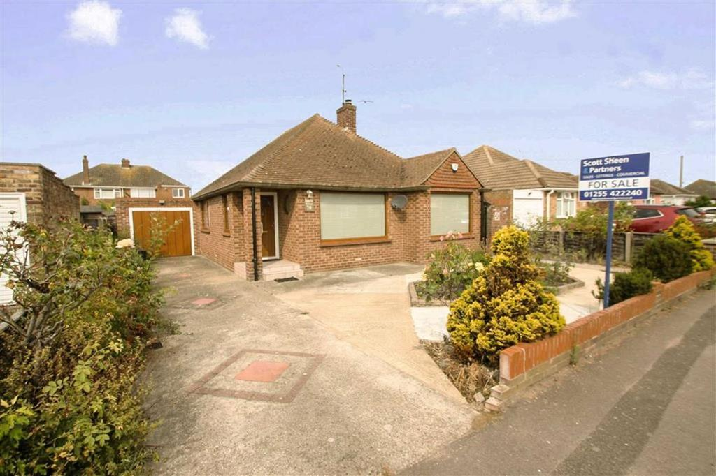 3 Bedrooms Detached Bungalow for sale in Queens Road, Clacton-on-Sea