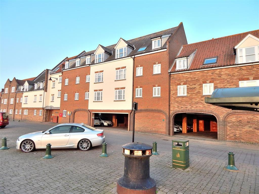 1 Bedroom Flat for sale in South Quay, King's Lynn