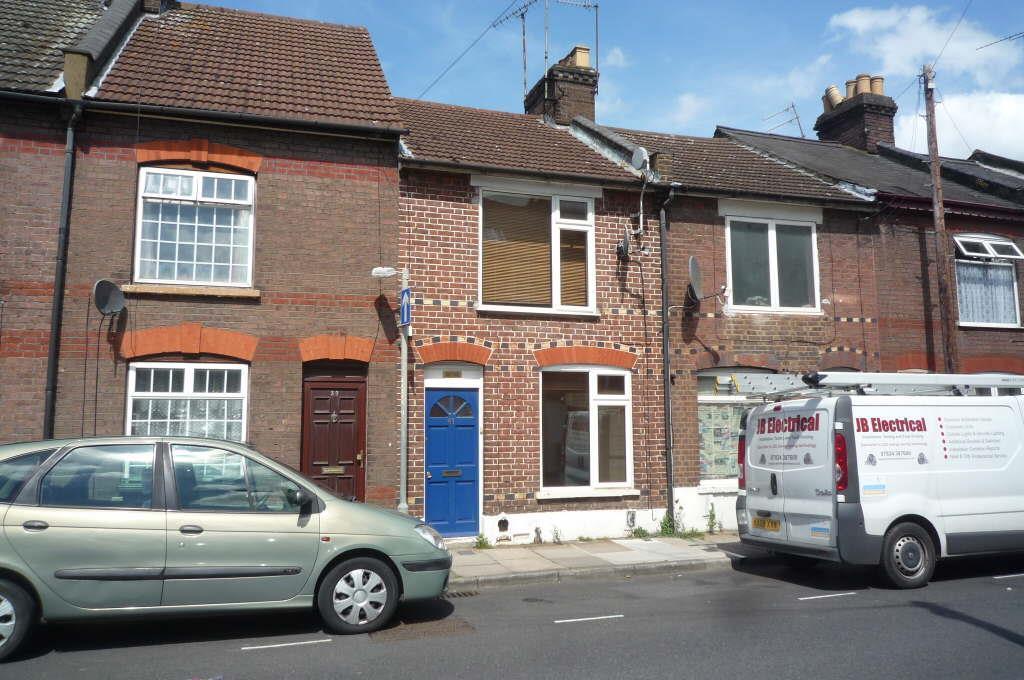 2 Bedrooms Terraced House for sale in Hibbert Street, Luton, LU1 3UU