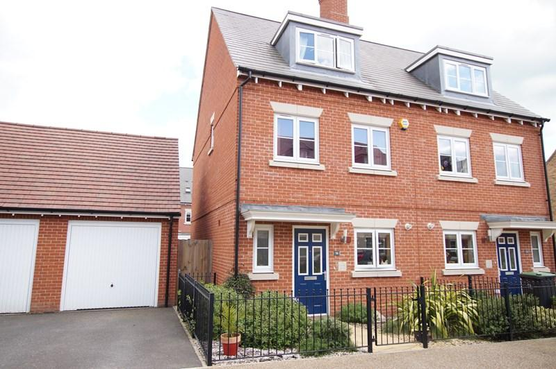 3 Bedrooms Semi Detached House for sale in Alner Road, Blandford Forum