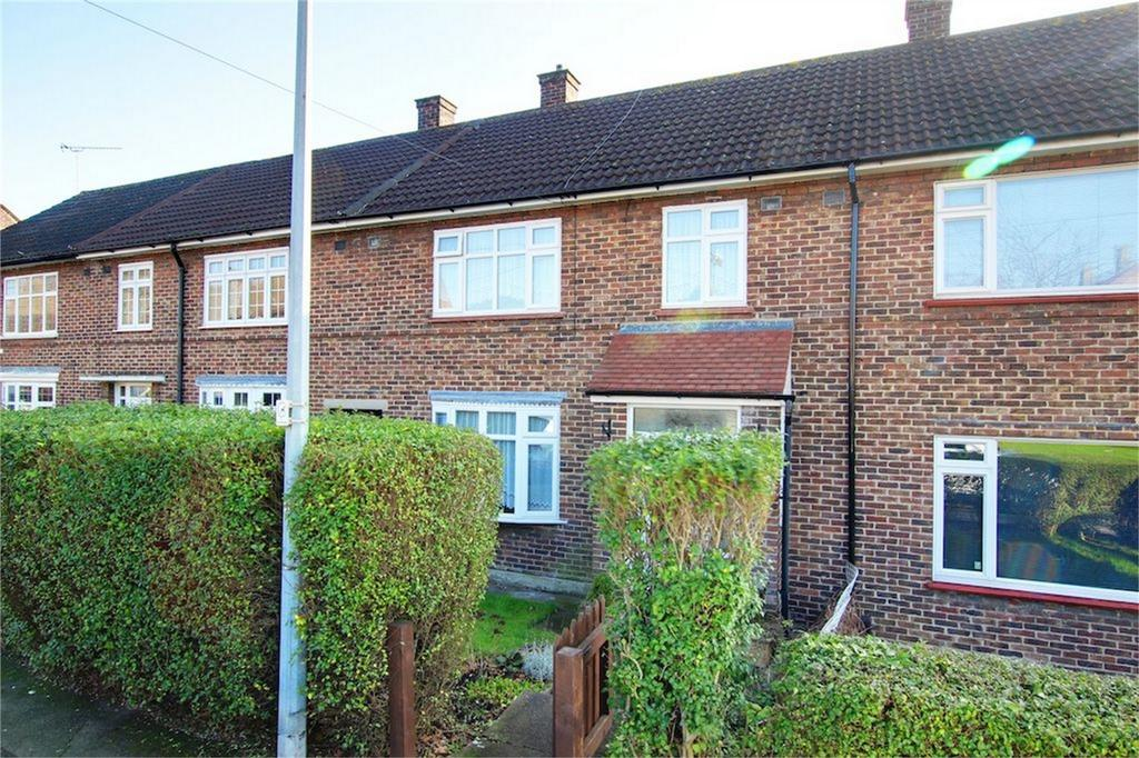 3 Bedrooms Terraced House for sale in Bushfields, Loughton, Essex
