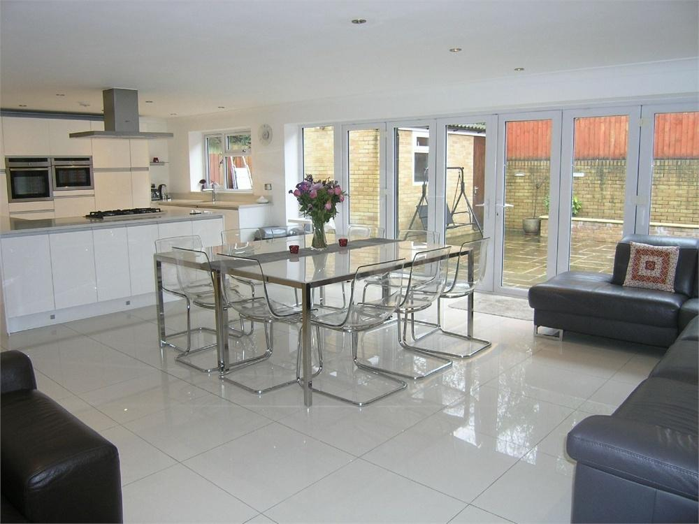 5 Bedrooms Detached House for sale in 4 Mountbatten Close, Roath Park, Cardiff