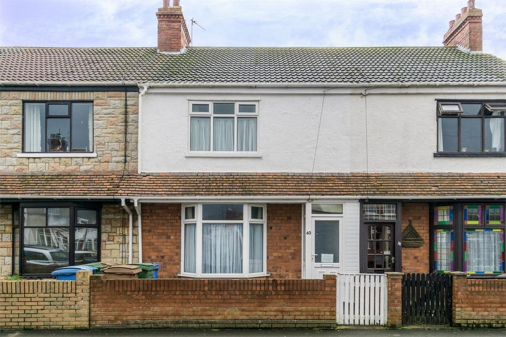 3 Bedrooms Terraced House for sale in South Cliff Road, WITHERNSEA, East Riding of Yorkshire