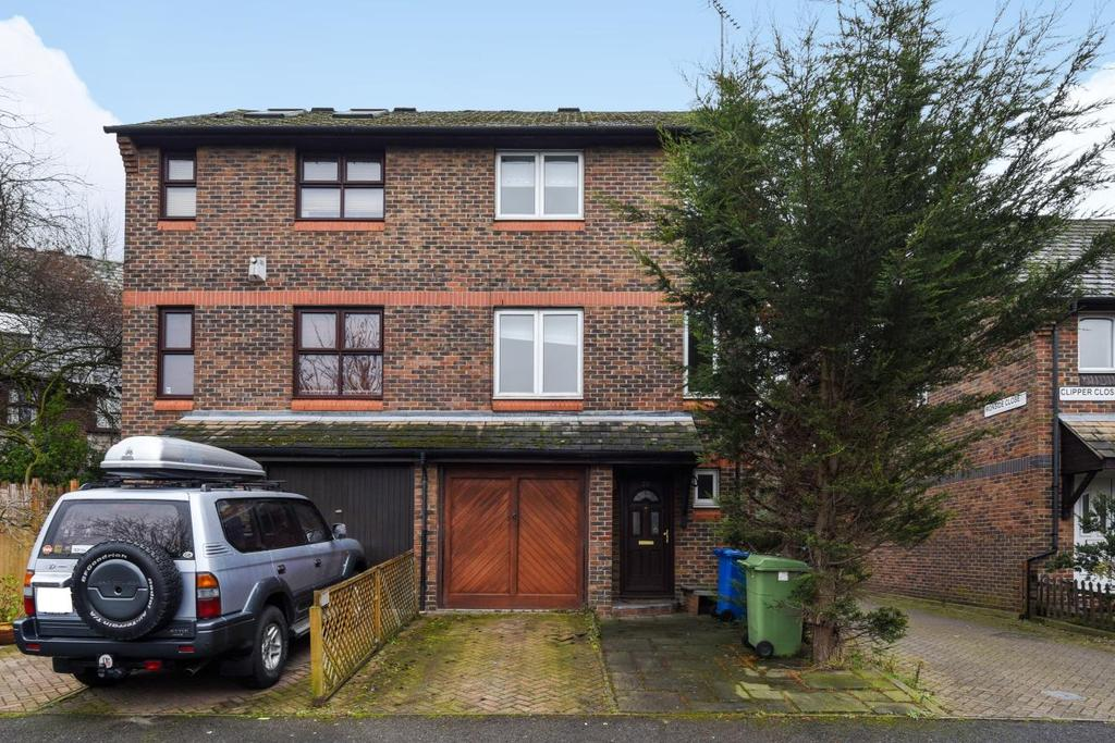 4 Bedrooms Town House for sale in Kinburn Street, Surrey Quays, SE16