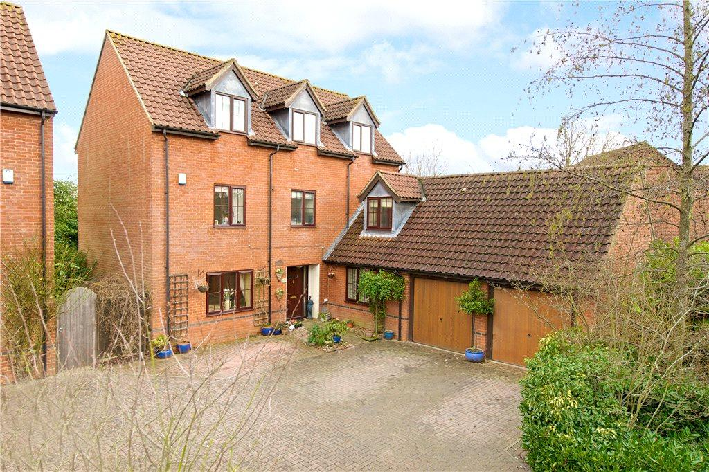 6 Bedrooms Detached House for sale in Paxton Crescent, Shenley Lodge, Milton Keynes, Buckinghamshire