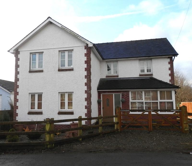 4 Bedrooms Detached House for sale in Llansadwrn, Llanwrda, Carmarthenshire.