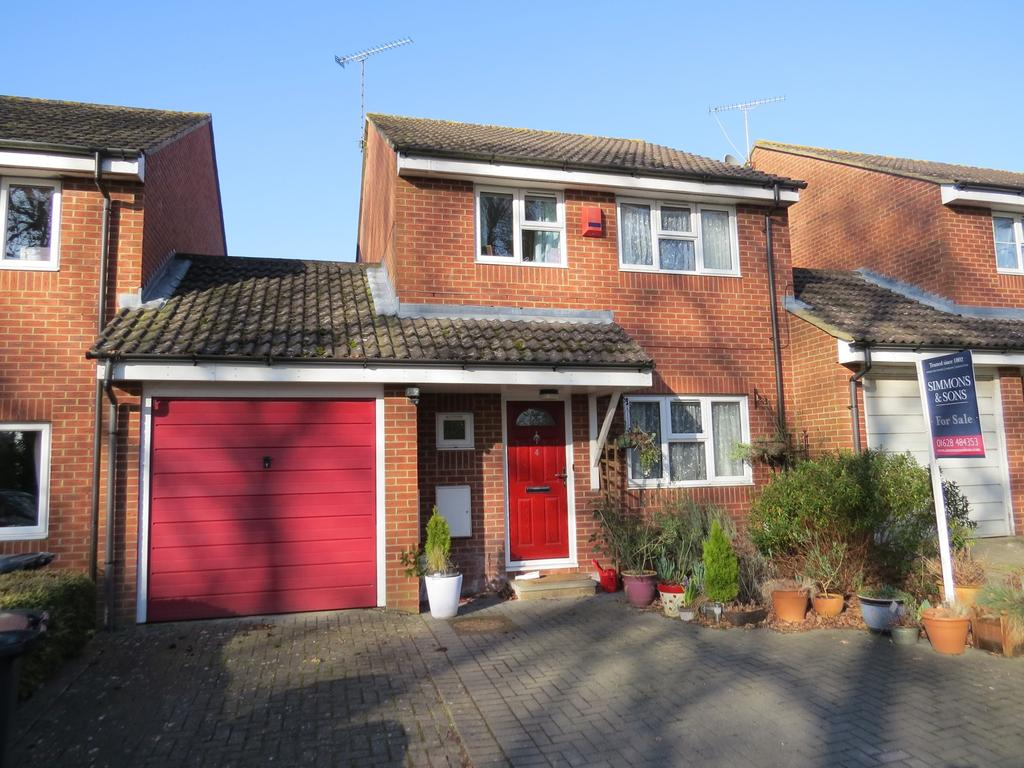 3 Bedrooms Detached House for sale in Philps Close