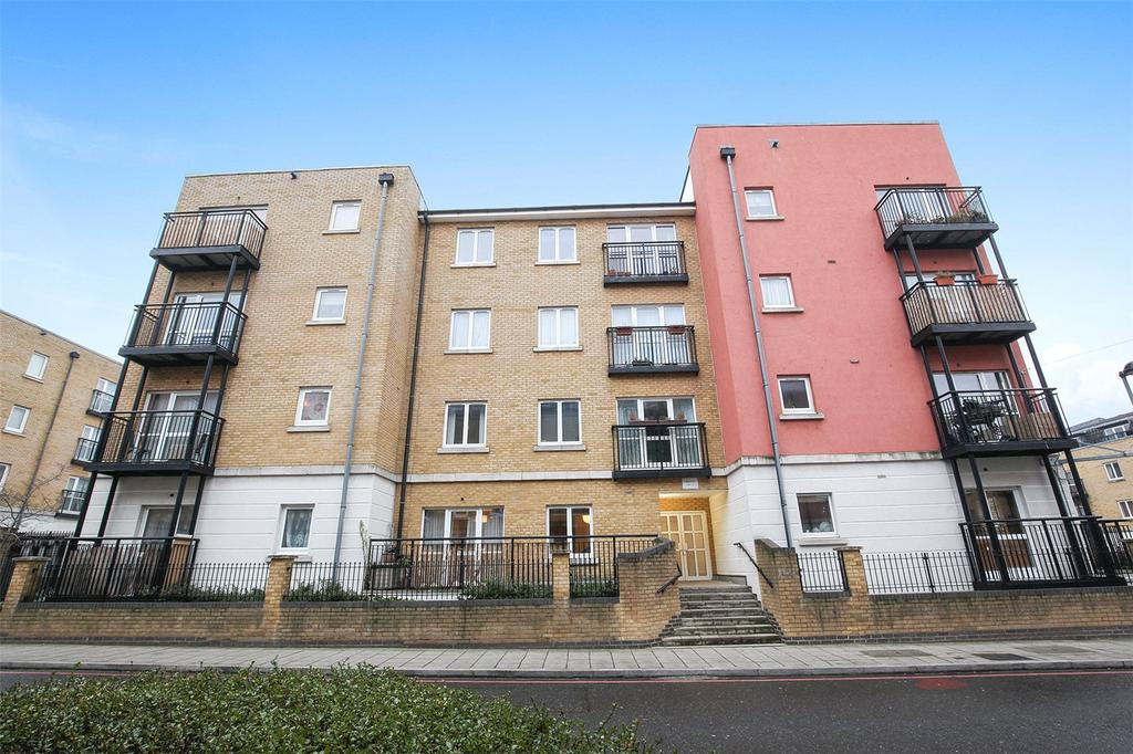 1 Bedroom Flat for sale in Tramway Court, 3 Candle Street, London, E1