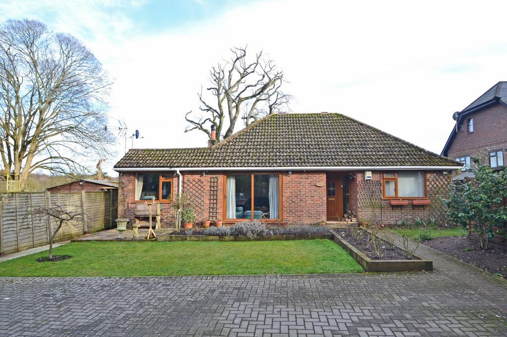 3 Bedrooms Detached Bungalow for sale in Water Lane, Storrington, West Sussex, RH20
