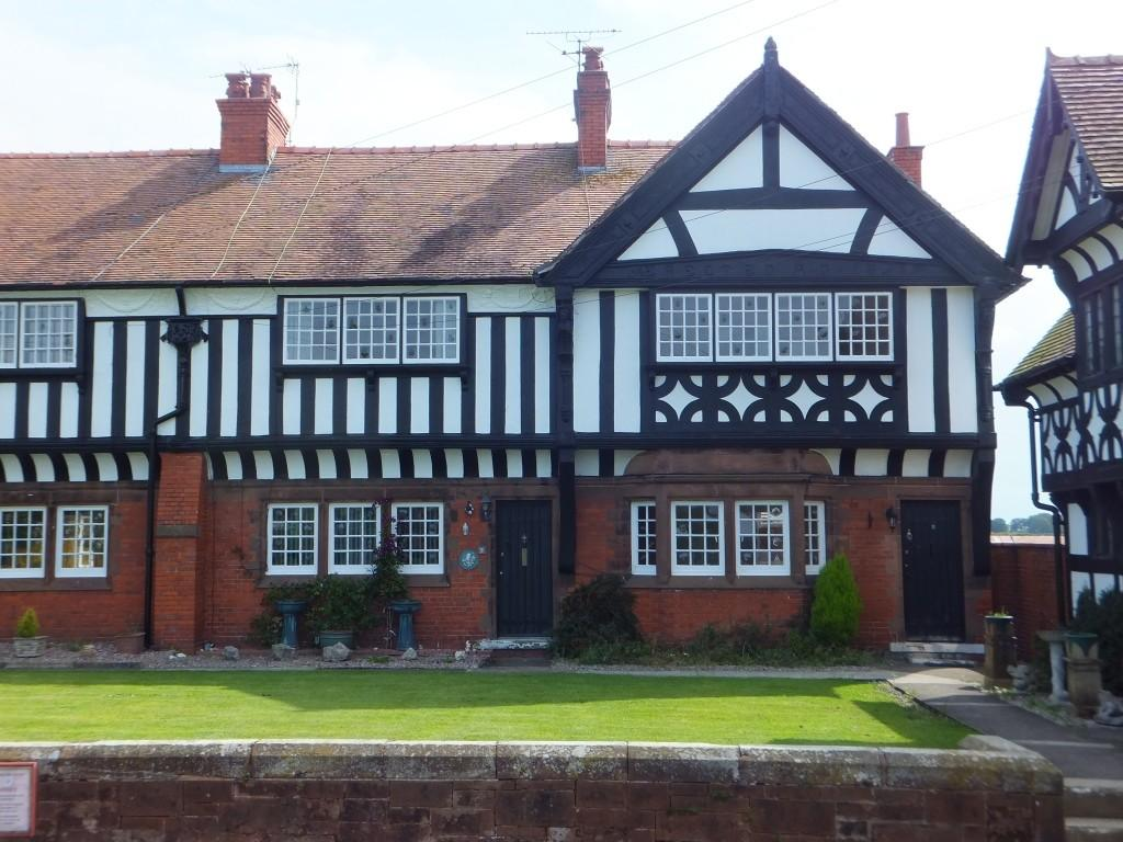 2 Bedrooms Cottage House for rent in The Folds, Thornton Hough, CH63