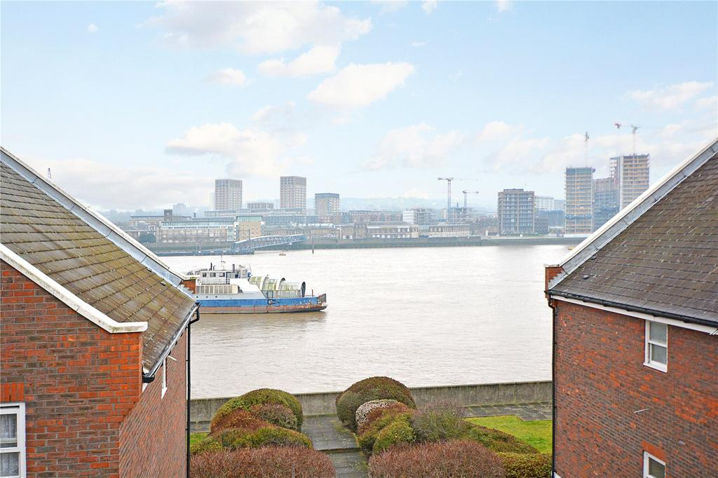 2 Bedrooms Flat for sale in Waldair Court, Barge House Road, London