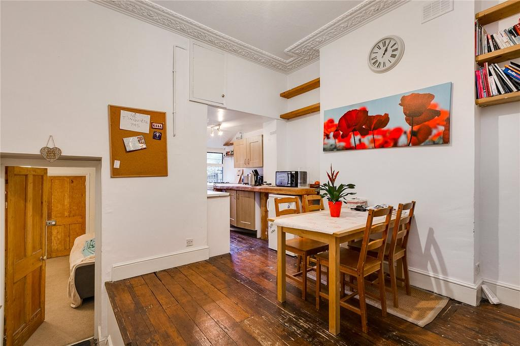 1 Bedroom Flat for sale in Beauchamp Road, London