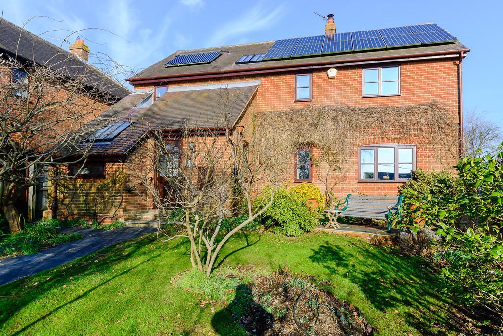 4 Bedrooms Detached House for sale in Upper Street, Quainton
