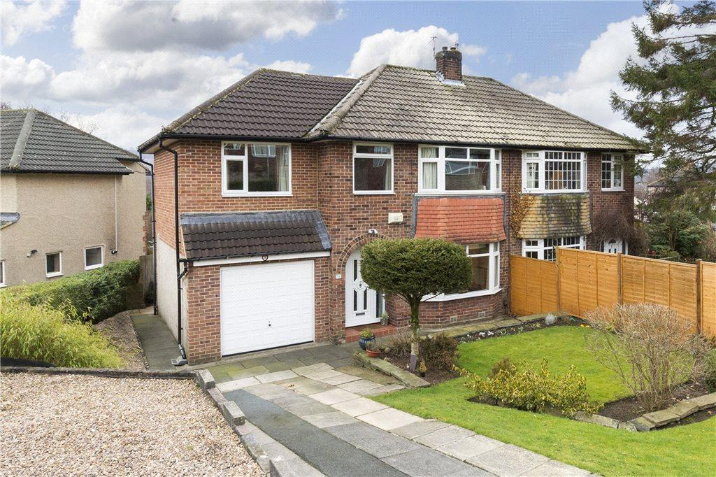 4 Bedrooms Semi Detached House for sale in Woodcot Avenue, Baildon, West Yorkshire