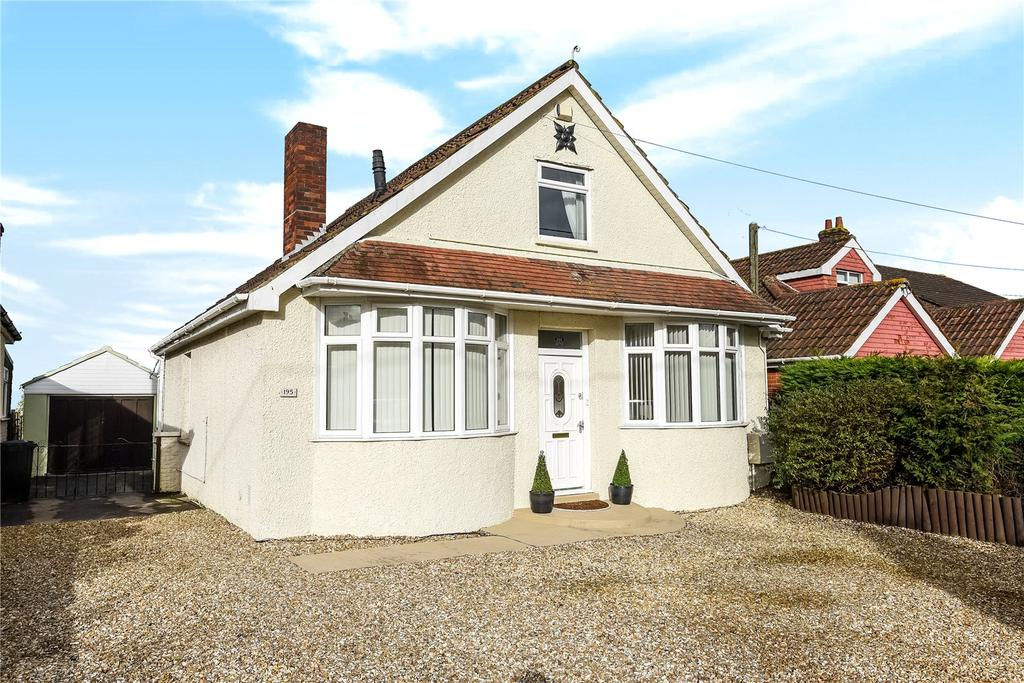 4 Bedrooms Bungalow for sale in Mudford Road, Yeovil, Somerset, BA21