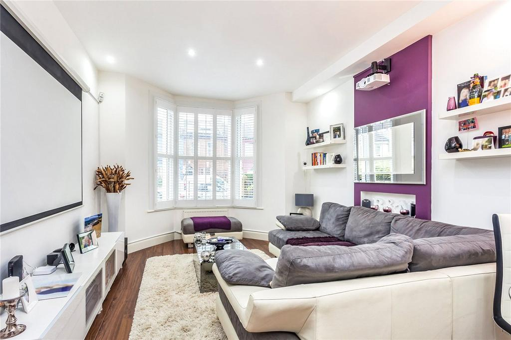 2 Bedrooms Flat for sale in Lambton Road, London, N19
