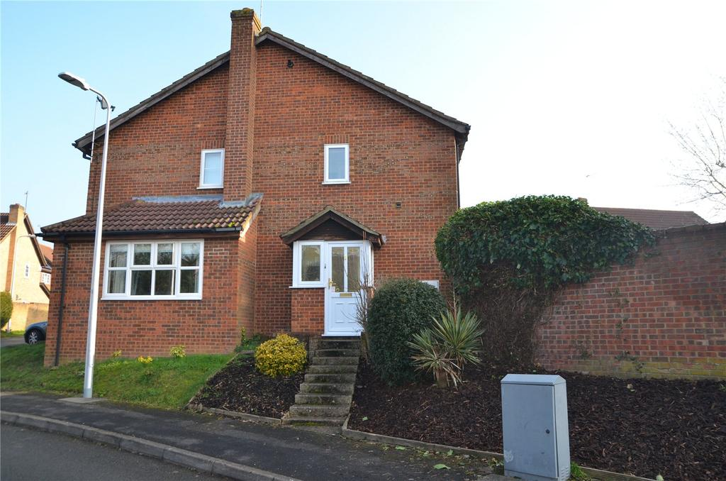 1 Bedroom Semi Detached House for sale in Gatcombe Close, Calcot, Reading, Berkshire, RG31