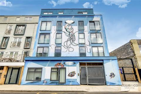 2 bedroom apartment to rent - Mowlem Street, London, E2