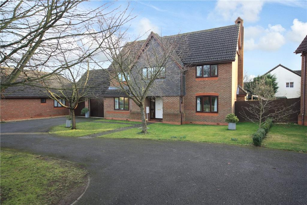 4 Bedrooms Detached House for sale in Mallows Close, Comberton, Cambridge, CB23