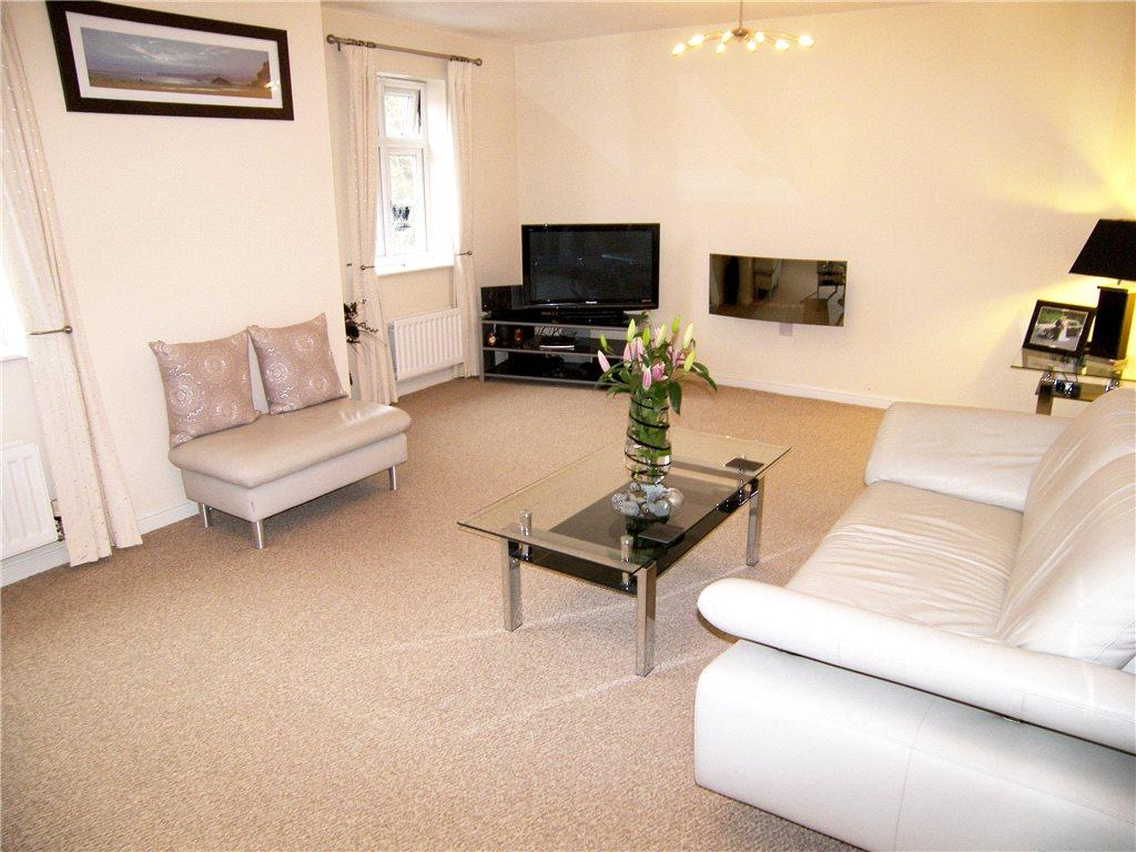 2 Bedrooms Apartment Flat for sale in Park Drive, Leeds, West Yorkshire