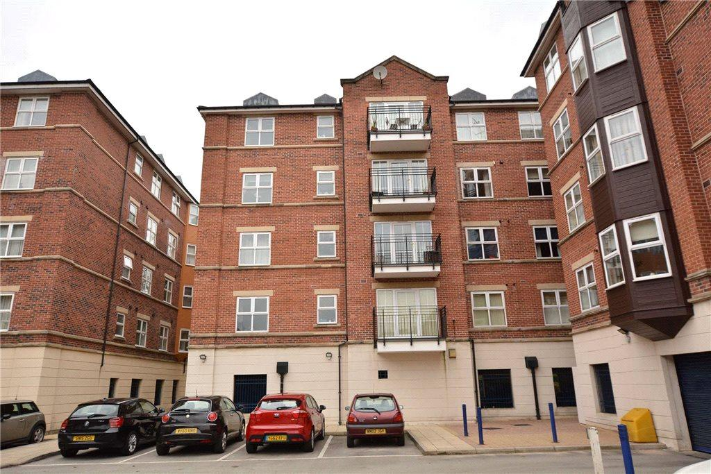 3 Bedrooms Apartment Flat for sale in Carisbrooke Road, Leeds