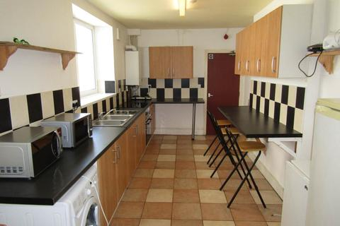 6 bedroom house to rent - Russell Street, City Centre, Swansea