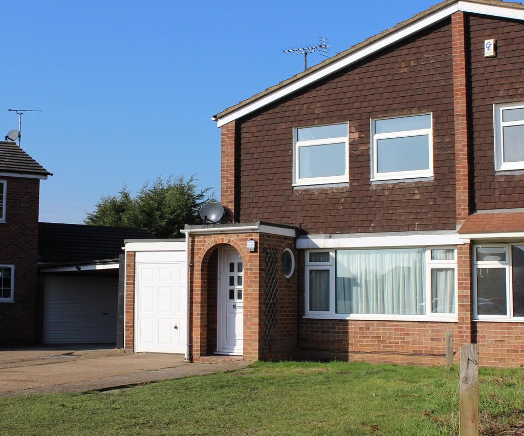 3 Bedrooms Semi Detached House for sale in Sherwood Way, Feering