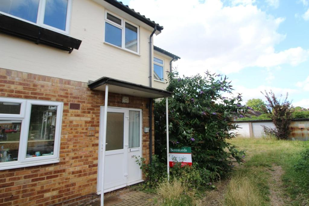 3 Bedrooms Maisonette Flat for sale in Tower Avenue, Chelmsford, Essex, CM1