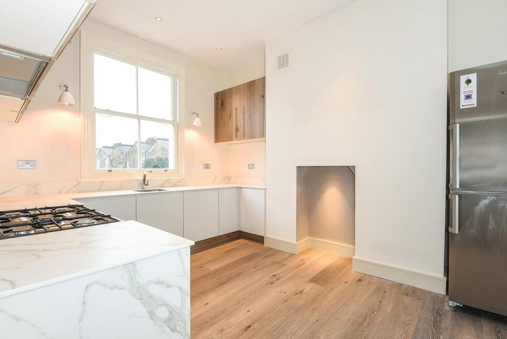 2 Bedrooms Apartment Flat for sale in Chester Road, N19 5DF