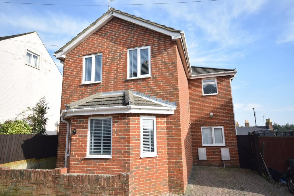 3 Bedrooms Detached House for sale in Heytesbury Road, Newport